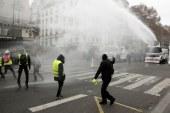 Franta: Guvernul face apel la protestatari sa nu iasa in strada sambata