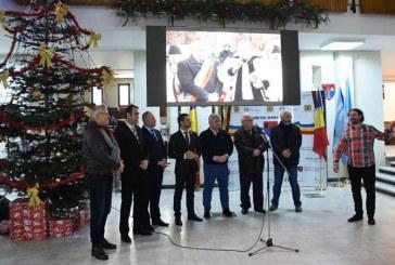 "La Consiliul Judetean Maramures a avut loc vernisajul expozitiei ""Romania din carute"""