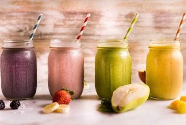 Sondaj: Jumatate dintre romani consuma smoothie-uri; 40% isi prepara singuri aceasta bautura