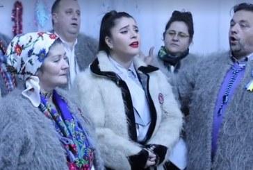 Sonia Ratiu i-a colindat pe oamenii de la Caminul de varstnici din Baia Sprie (VIDEO)