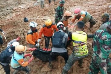 Indonezia: Bilantul unei alunecari de teren a ajuns la 32 de morti; cautarile eventualilor supravietuitori s-au incheiat