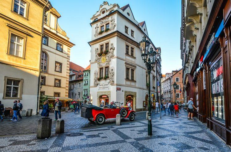 Republica Ceha: Transport public gratuit la Praga in zilele cu smog