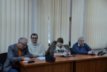 Maramures: Se doreste infiintarea asociatiilor de pensionari la nivel de comune. Lupsa vrea sa rezolve in acest an problema transportului in comun pentru varstnici