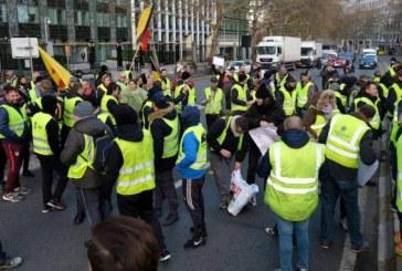 """Intre 1.000 si 2.000 de """"veste galbene"""" au manifestat la Paris, o mobilizare tot mai slaba"""