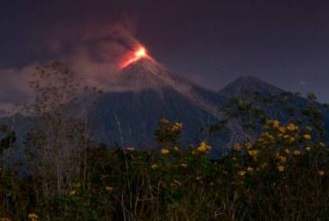 Activitatea Vulcanul de Foc din Guatemala s-a intensificat cu explozii puternice