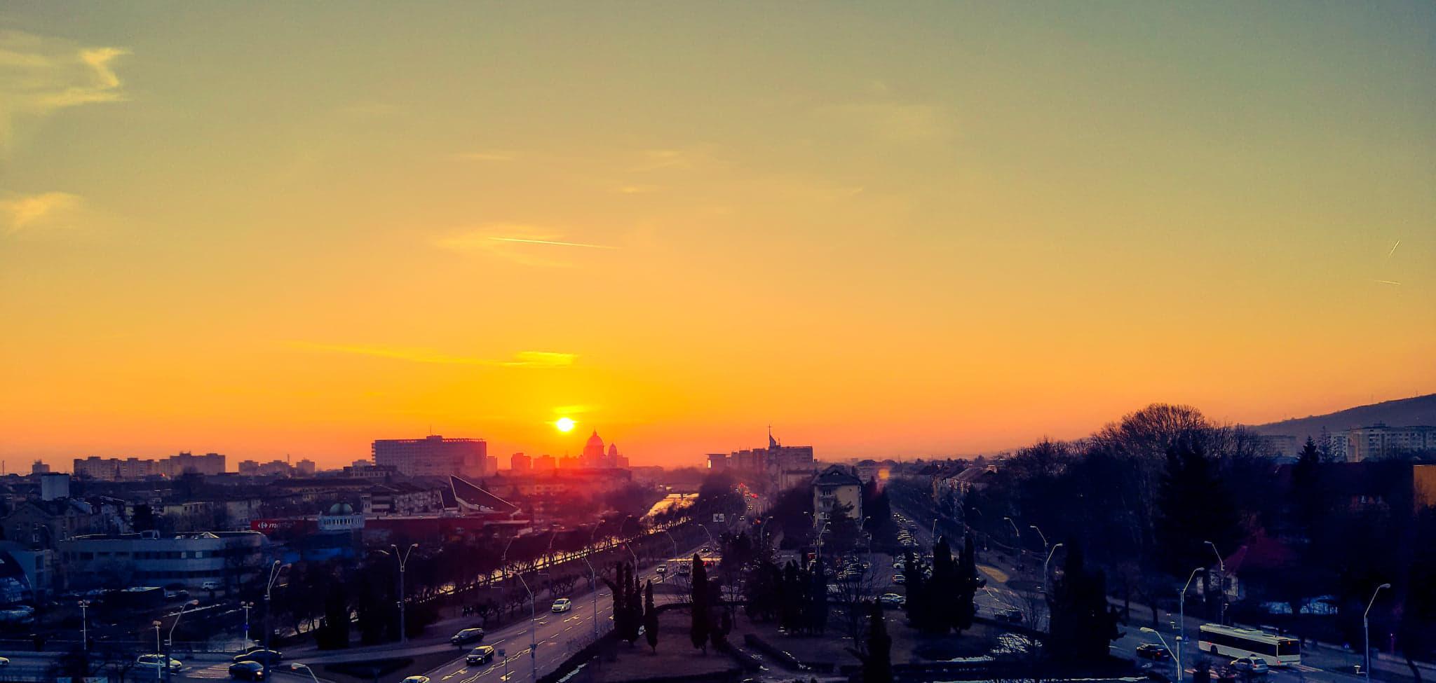 Imaginea zilei: Apus de februarie, in Baia Mare