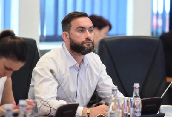 """Cristian Niculescu Tagarlas: """"Nu se pot schimba denumiri sau elemente de notorietate la nivelul Municipiului Baia Mare doar pentru ca un lider vremelnic PSD-ist are vise de prea multa inaltare"""""""