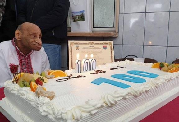 Un senior din sistemul de protectie speciala al DGASPC Maramures a implinit 100 de ani