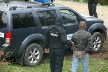 Doua case din Poienile de sub Munte au fost perchezitionate de politistii de frontiera. Cei doi proprietari s-au ales cu dosare penale