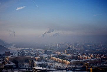 Mongolia – Locuitorii disperati isi trimit copiii in mediul rural pentru a-i feri de smogul sufocant