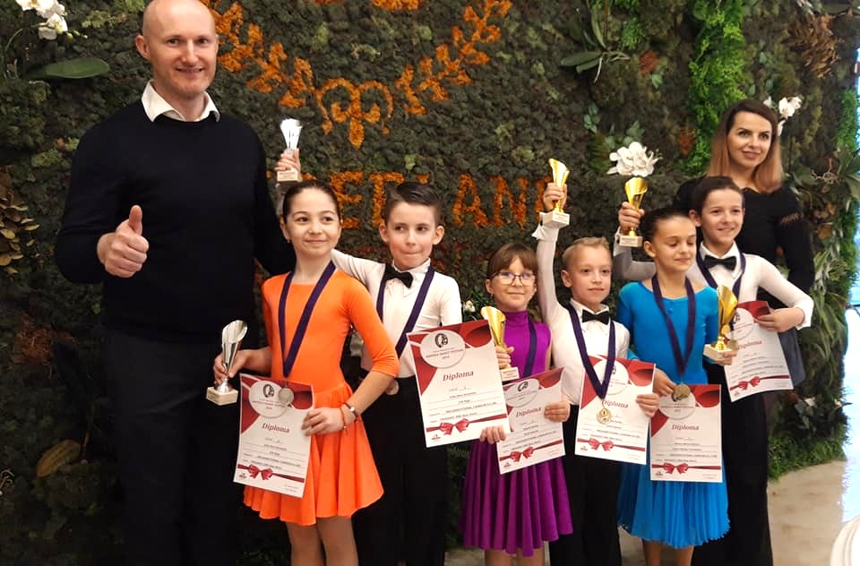 5 medalii si 4 finale pentru Prodance 2000 la Napoca Dance Festival