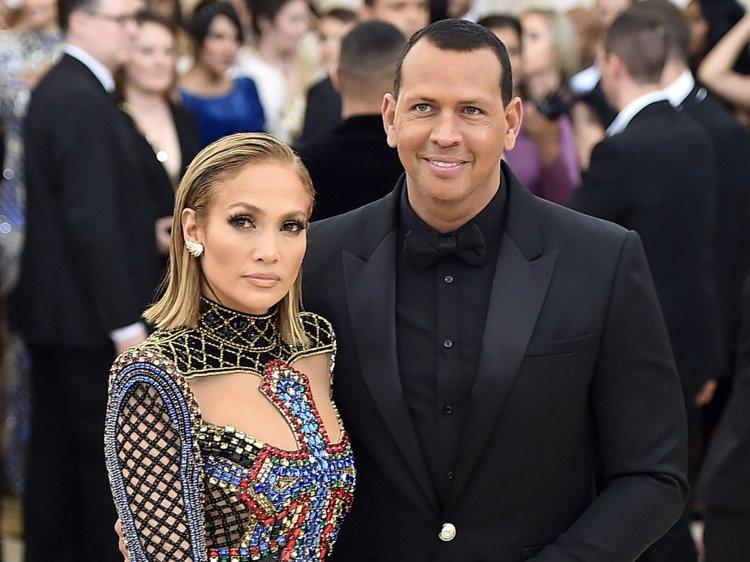 Jennifer Lopez si Alex Rodriguez si-au confirmat logodna