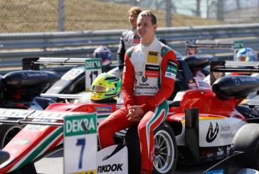 "Auto-formula2: Mick Schumacher, ""onorat"" sa fie comparat cu tatal sau"