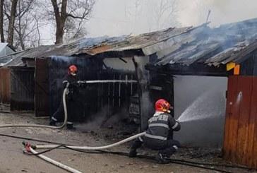 Garaje cuprinse de flacari in Baia Mare si Targu Lapus