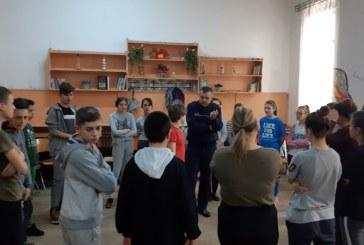 "Politistii reactiveaza ""Curajul civic"" in scolile din Maramures"