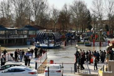 Irak: Cel putin 100 de morti intr-un naufragiu. Premierul irakian a decretat trei zile de doliu national