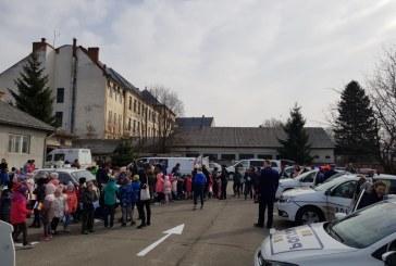 1.500 de copii au venit sa sarbatoreasca Ziua Politiei Romane alaturi de politistii din Sighetu Marmatiei