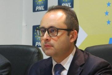 Europarlamentarul Cristian Busoi, blocat de conducerea politica a judetului sa viziteze Spitalul de Boli Infectioase