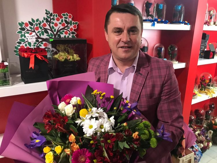 Trei zile de ipocrizie si teatru ieftin jucat de Lucian Morar, presedinte PMP Maramures si primar al orasului Ulmeni, in fata Ministerului Sanatatii