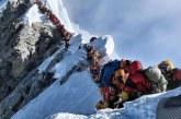 Numarul alpinistilor care au murit pe Everest, in sezonul de primavara, a crescut la trei