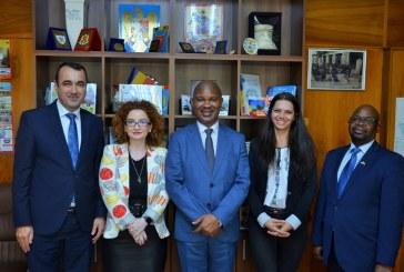 Ambasadorul Africii de Sud, vizita in Maramures. Printre obiective, identificarea unor oportunitati de colaborare intre judet si tara africana