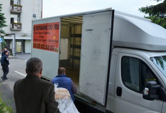Astazi: Buletinele de vot, transportate la sectiile de votare din judet sub paza militarizata