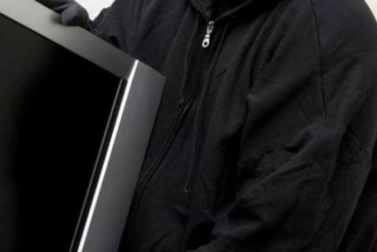 Cinci tineri din Somcuta Mare au furat un televizor si un ceas. Acestia au intrat in colimatorul autoritatilor