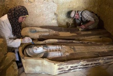 Un mormant vechi de 4.400 de ani, descoperit in apropierea piramidelor de pe Platoul Giza