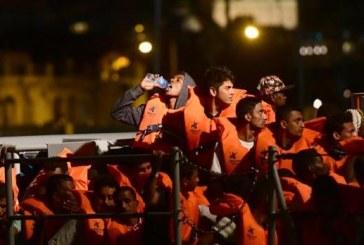 Zeci de migranti au debarcat pe insulele Malta si Lampedusa