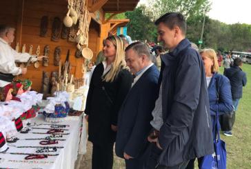 """(FOTO)Standul delegatiei maramuresene, deschis la """"Zilele Lacului Tisza – Tomek"""""""