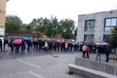 Diaspora da tonul: Sute de romani la coada, la fiecare sectie de vot din strainatate (FOTO)