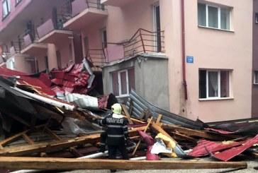 PANICA printre baimareni, dupa ce o teava de gaz a fost afectata de un acoperis doborat de vant