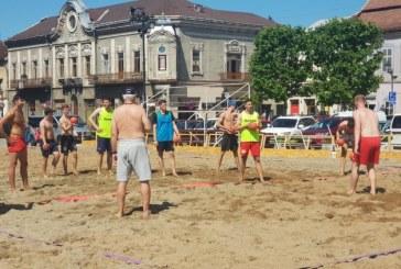 Beach Handball: Un localnic din Ferneziu a lasat fara telefon un sportiv maghiar