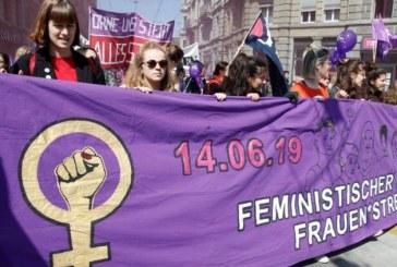 Zeci de mii de femei din Elvetia au fost in greva la nivel national impotriva discriminarii