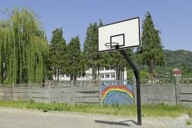 Sportul scolar baimarean si-a mai splat din rusine. Insa grija fata de copii e doar de fatada
