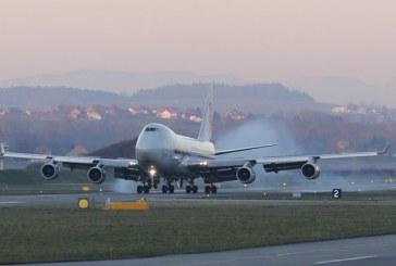 Panica la bordul unui avion aflat pe un aeroport din Moscova: Opt raniti in timpul evacuarii