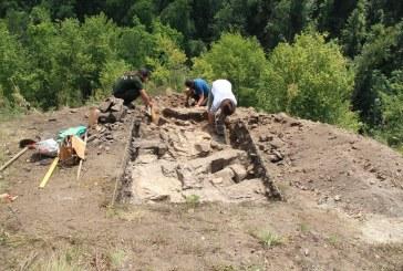 "Primele cercetari arheologice la Salnita – ""Custura Cetatele"""