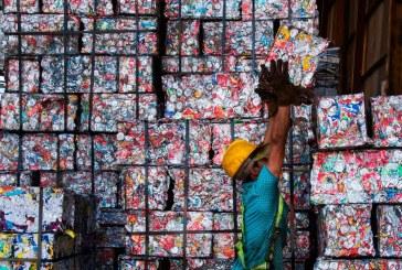 Indonezia va trimite 210 tone de deseuri inapoi in Australia
