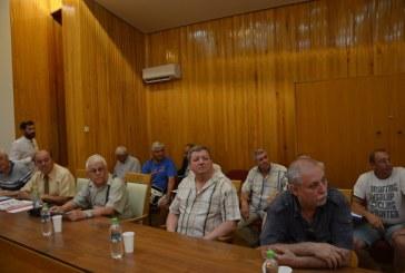 Ministrul Muncii si Justitiei Sociale s-a intalnit in Baia Mare cu  cu reprezentantii pensionarilor care au fost angajati la IPEG si Cuprom