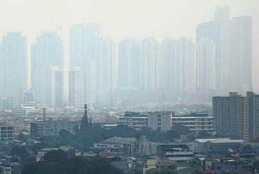 Satul de poluare, un grup de locuitori din Jakarta a depus o plangere in justitie impotriva guvernului indonezian