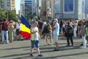 Miting de protest in Piata Victoriei impotriva adoptarii de catre Guvern a OUG privind Codul Administrativ