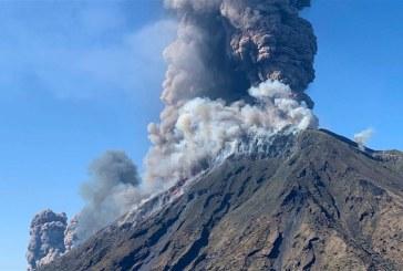 Un vulcan a erupt pe o insula din sud-estul Japoniei