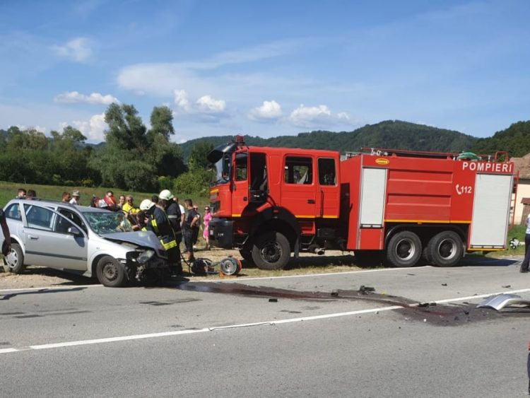 Accident rutier in Ileanda intre un autoturism si un autotren din Maramures (FOTO)