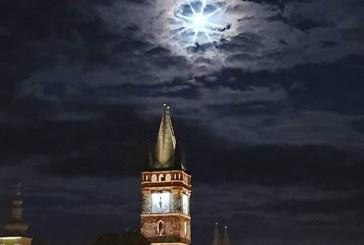 Fotografia zilei: Cer spectaculos deasupra orasului Baia Mare