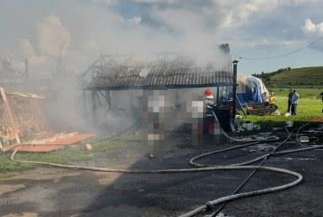 Incendiu la o lemnarie din Rogoz