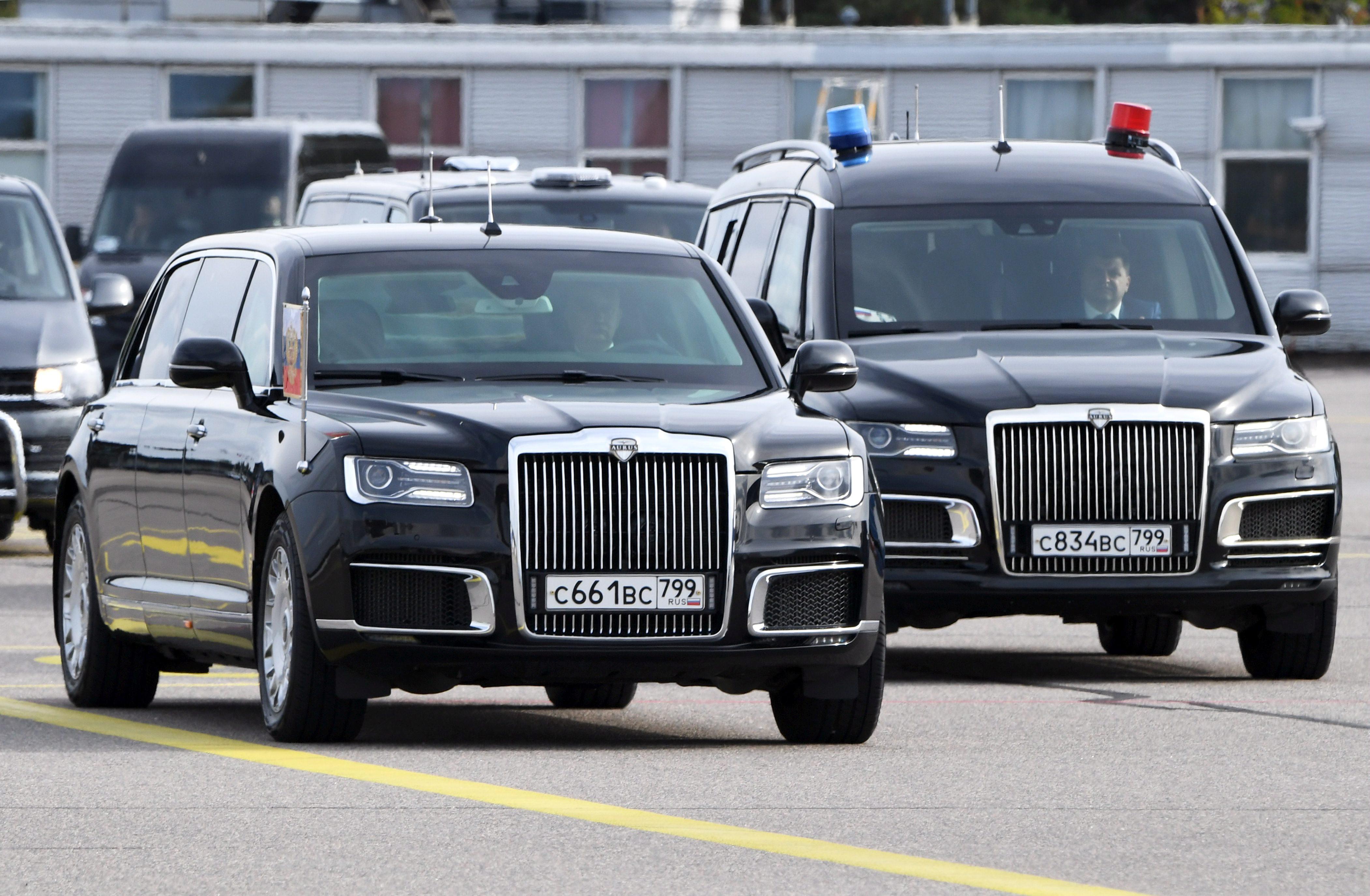 Rusia a inceput sa vanda limuzine similare cu cele utilizate de Vladimir Putin