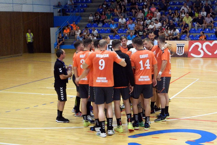 Handbal masculin: Minaur a castigat la Resita si urcat pe podium