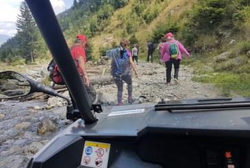 Patru turisti rataciti, de aseara, in zona lacului Buhaiescu. Jandarmii si salvamontistii borseni i-au recuperat astazi // GALERIE FOTO