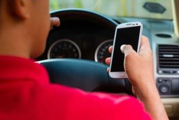 IMPORTANT DE STIUT: De sambata, noi sanctiuni pentru soferii care vorbesc la telefon, scriu mesaje sau filmeaza la volan