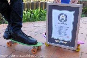 Guinness Book of Records: Un berlinez a devenit adolescentul cu cele mai lungi talpi din lume